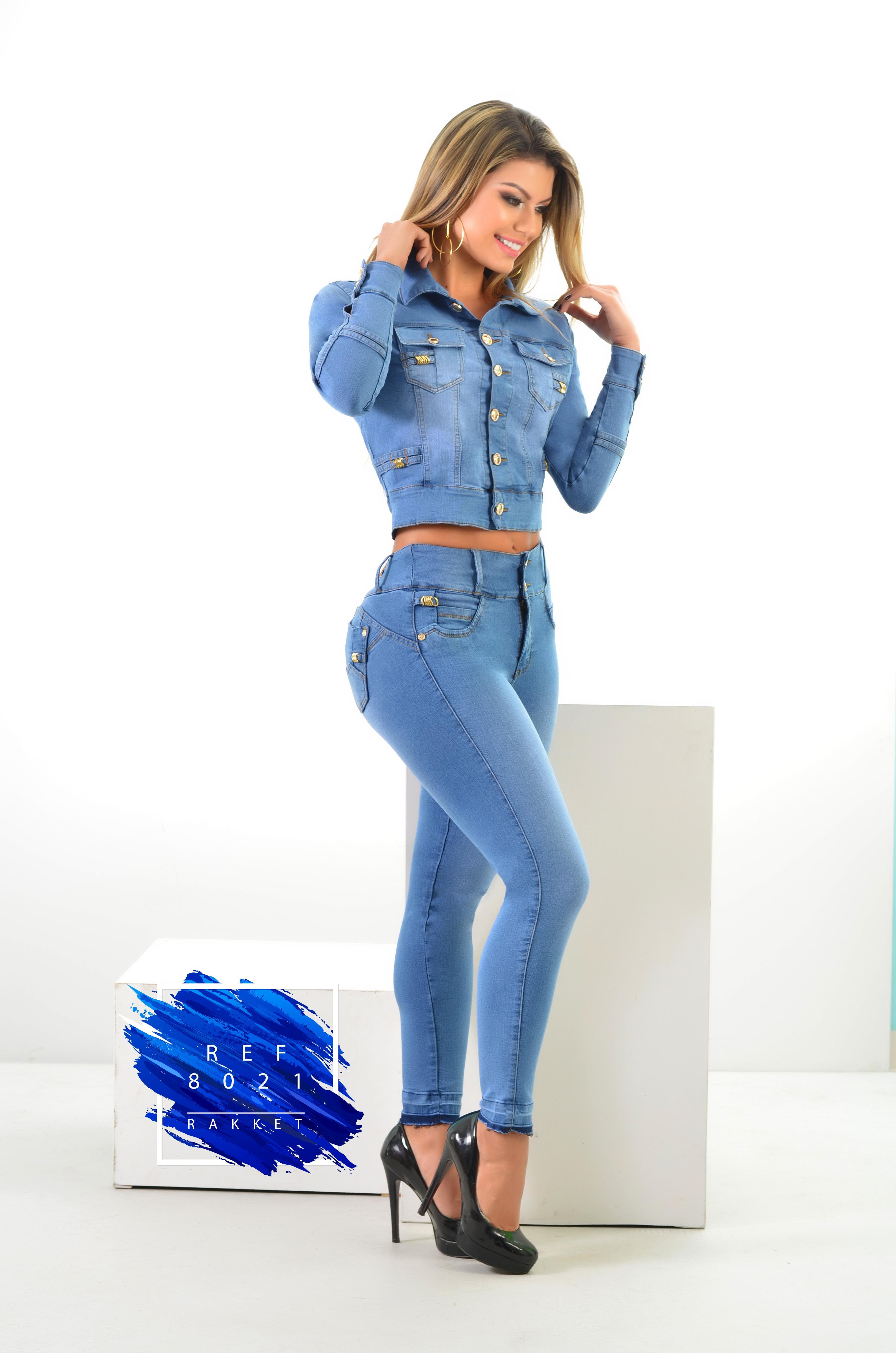 Conjunto Colombiano de moda Levantacola
