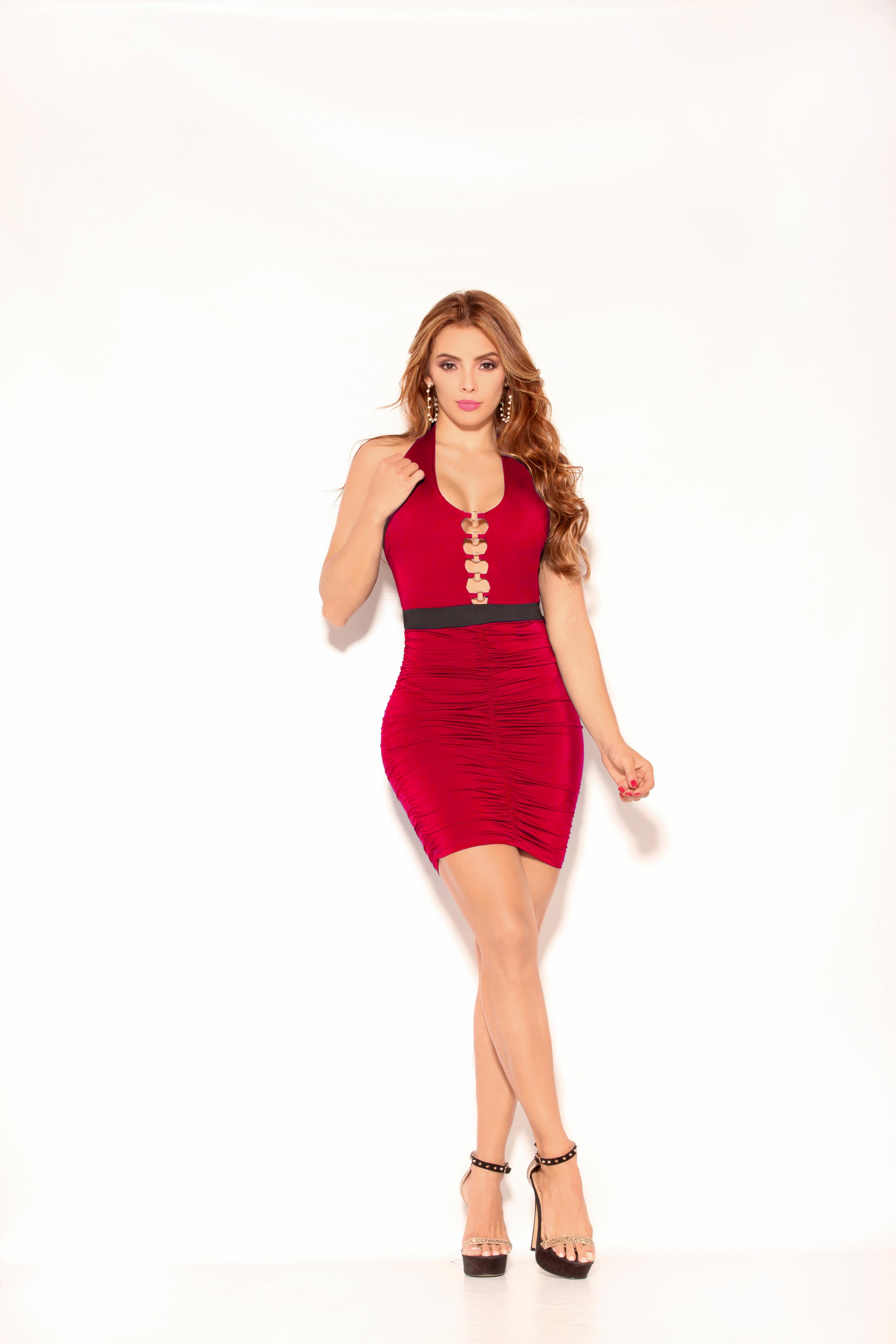Vestido Colombiano Corto de Moda color Rojo con Escote y Espalda Descubierta