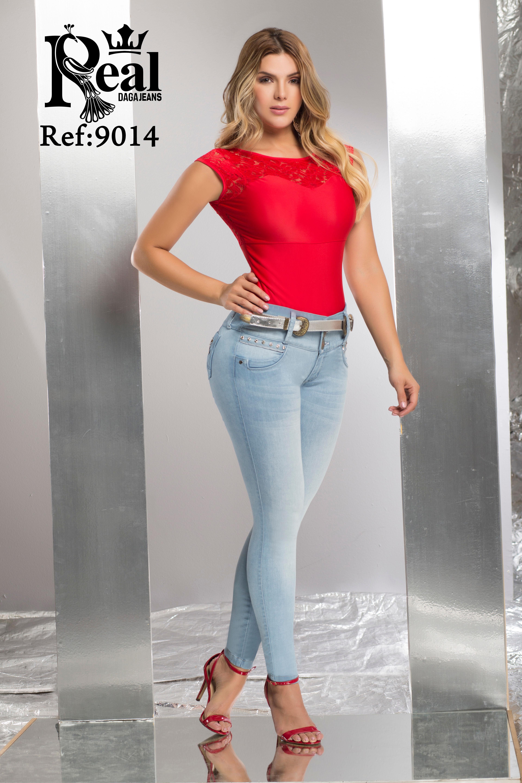 Pantalón Vaquero para dama con Hermoso Color Hielo y Diseño Levanta Cola