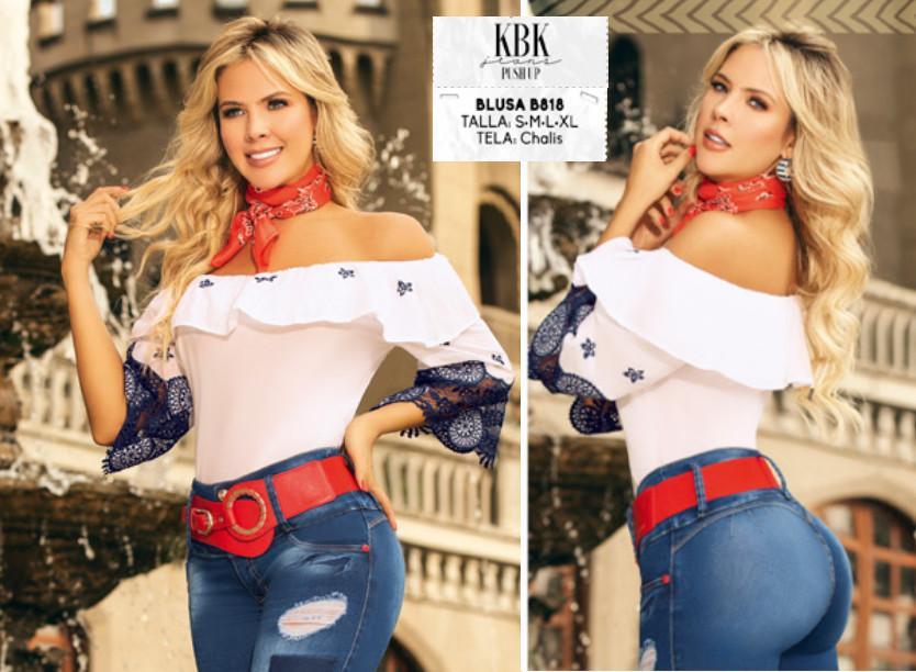 Sexy Blusa Colombiana con Estilo de boleros en la mangas y el escote, hombros descubiertos. Color blanco, marca KABUKY