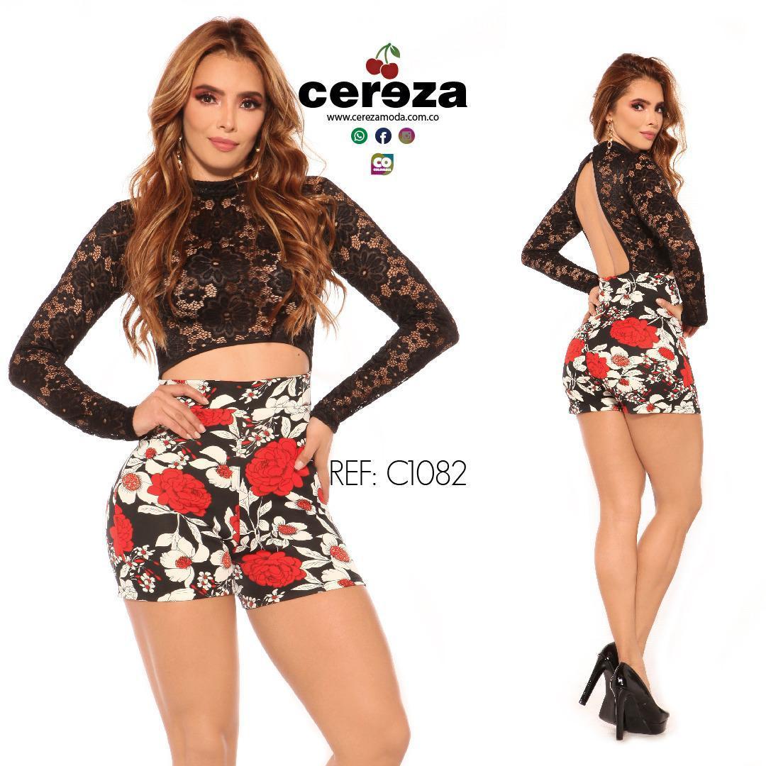 Enterizo Corto tipo Short con Blusa Negra y Short estampado de Flores colores variados marca CEREZA, original Diseño Colombiano