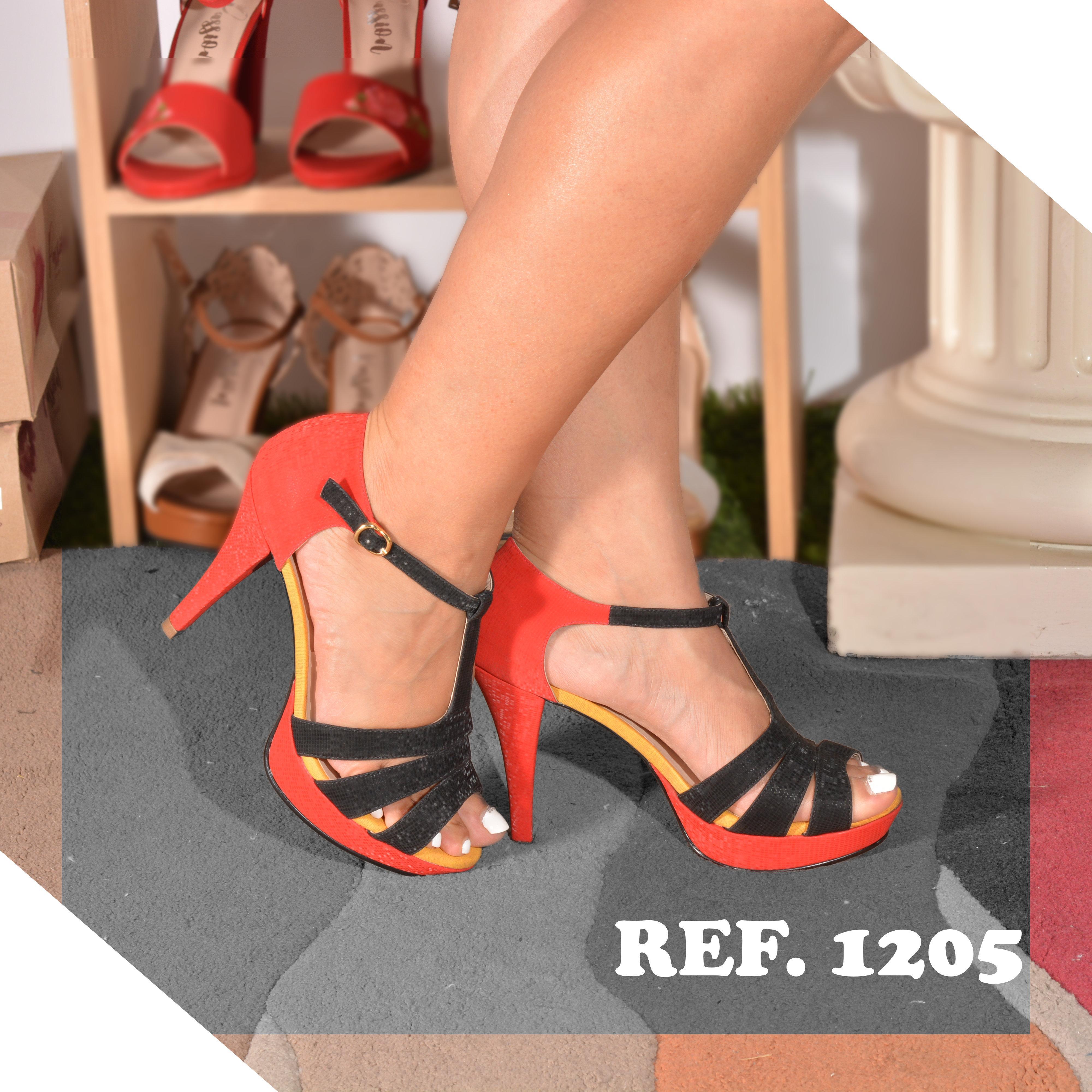 Hermosos Zapatos Colombianos con Tacón y tiras que contrastan Rojo con Negro para un diseño impecable
