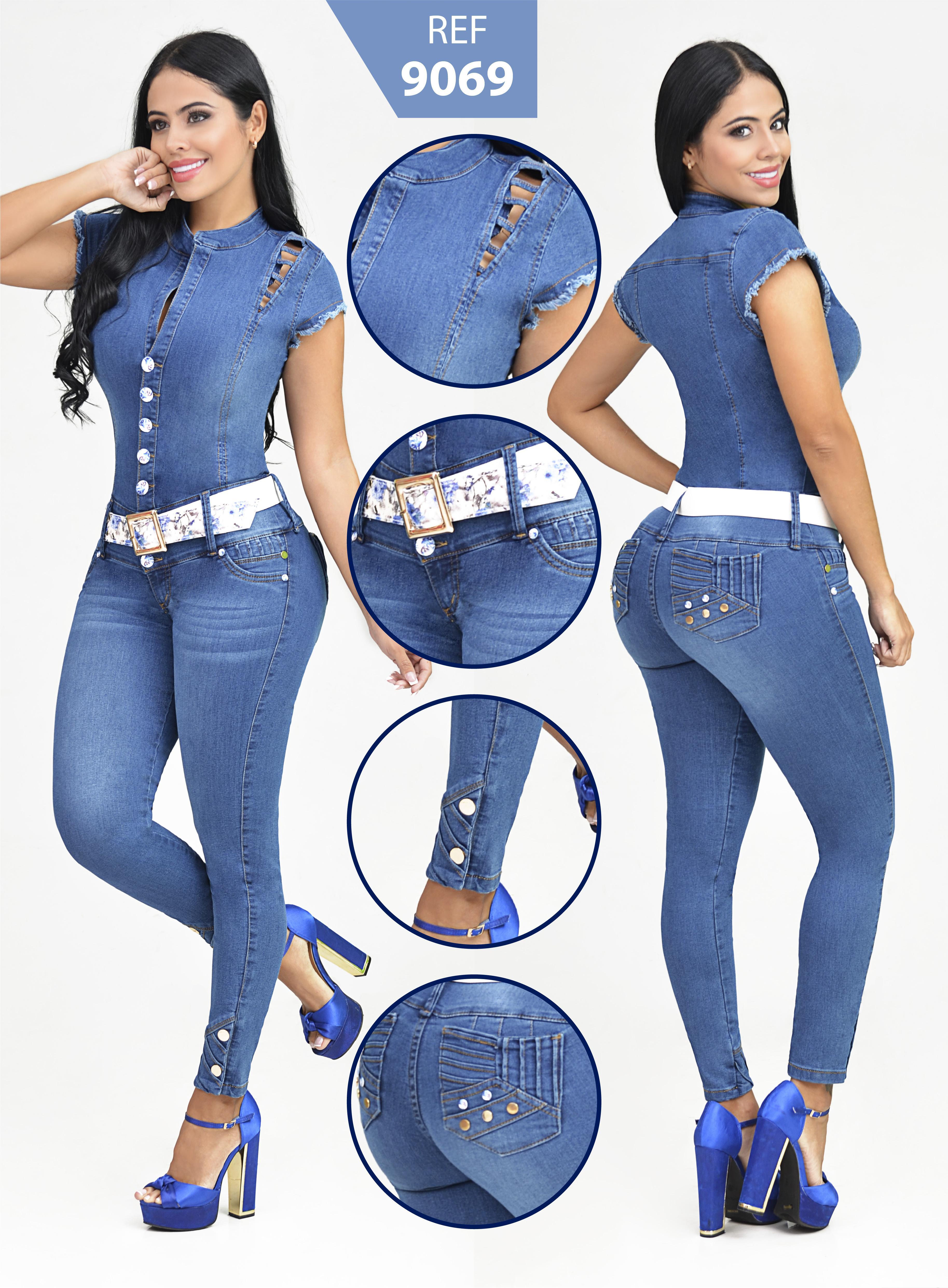 Mono Enterizo Vaquero Push Up color Azul Claro con Desgaste en forma de Bigotes taches y botones decorativos