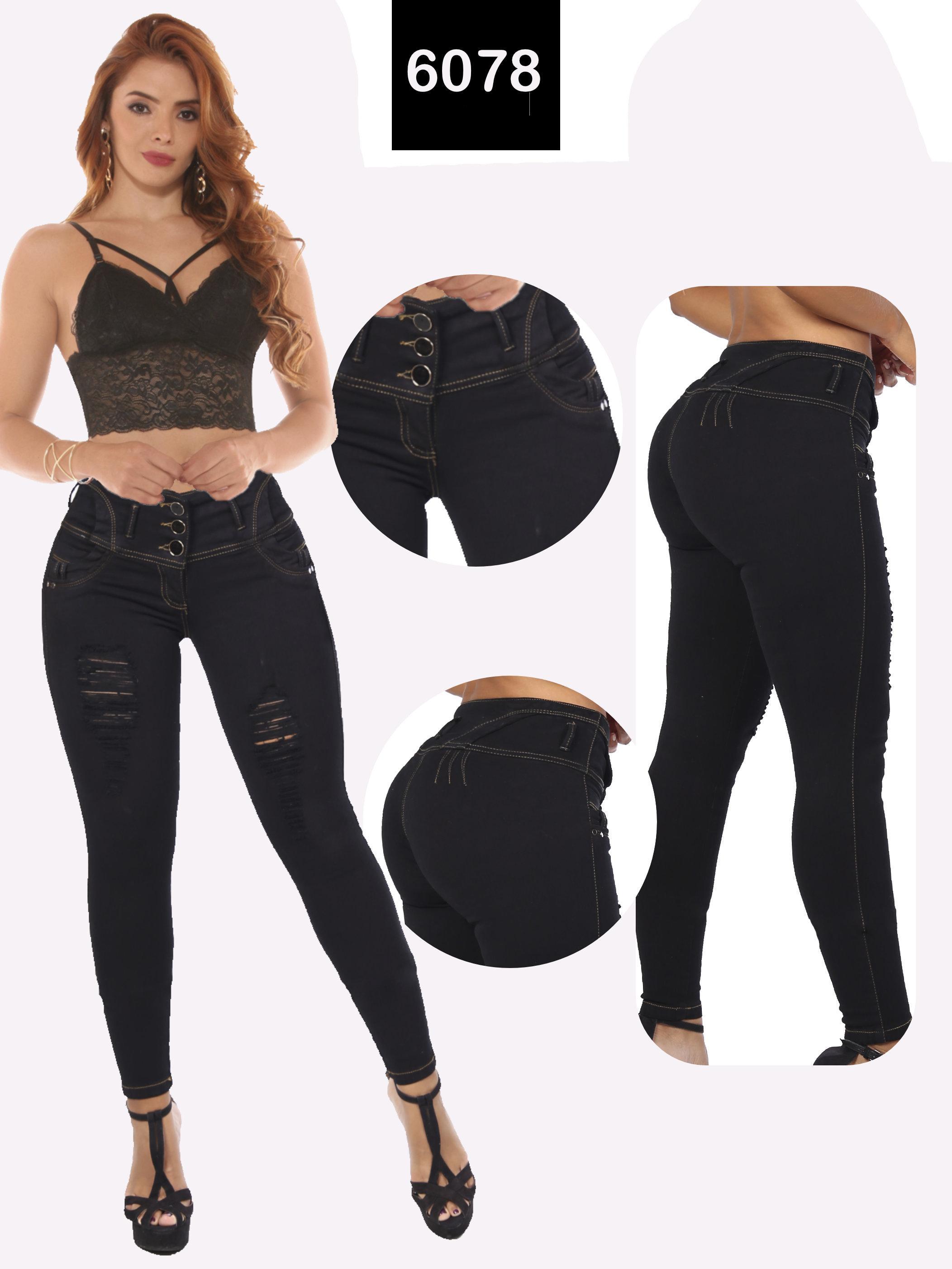 Pantalón Vaquero para Dama Sin Bolsillos Traseros Efecto Push Up y Pretina Alta de 3 Botones