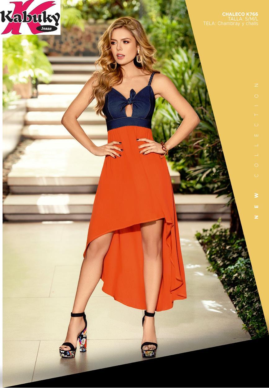 Bluson Estilo y Diseño Colombiano, top negro ajustado y cola larga
